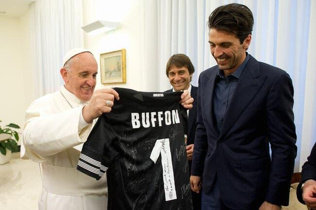 Guy Roux colle un petit tacle au Pape François