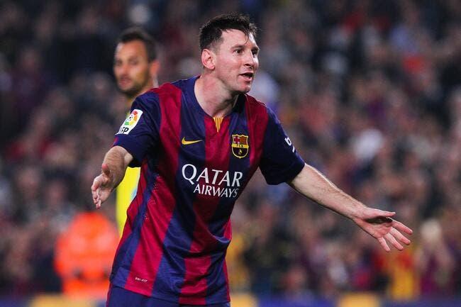 Vidéo : Messi reçoit une bouteille sur la tête… et un carton jaune
