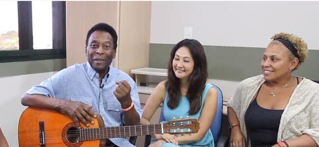 Vidéo : Pelé va mieux..et il le chante