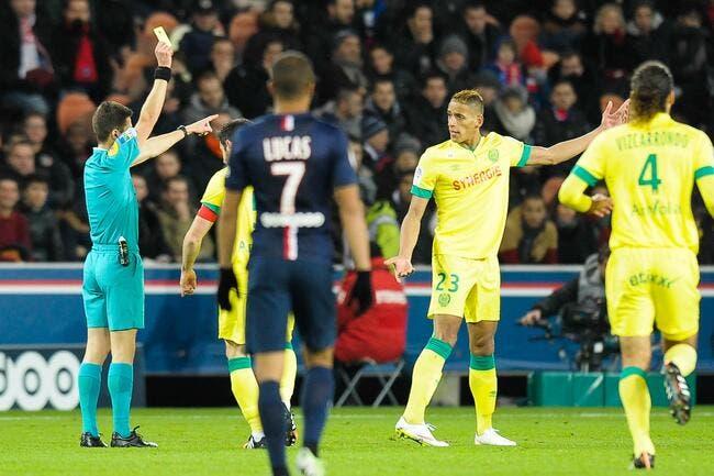 L'arbitre de PSG-Nantes taillé par un ancien sifflet