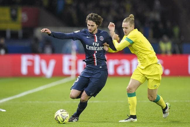 foot psg rabiot se pince pour croire ce bar a psg foot 01. Black Bedroom Furniture Sets. Home Design Ideas