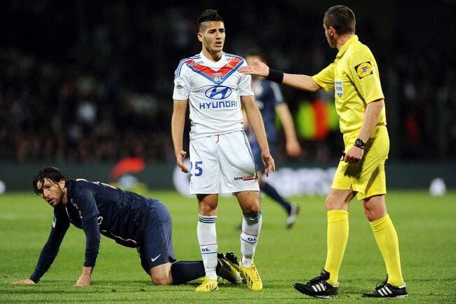 L'OL explique pourquoi Benzia a intérêt à rester à Lyon