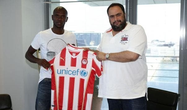 Officiel : Eric Abidal signe à l'Olympiakos