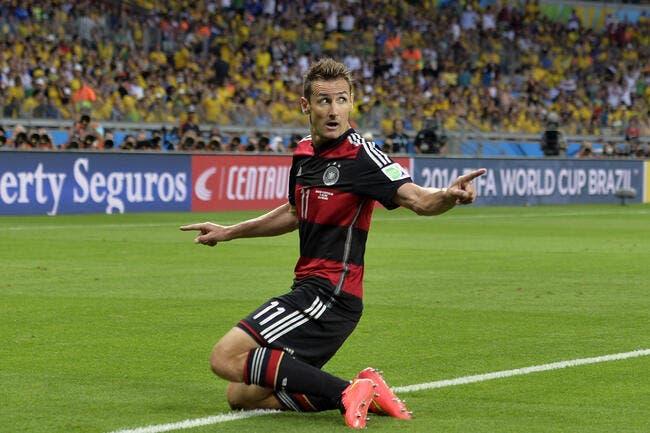 L'Allemagne explose le Brésil à la pause