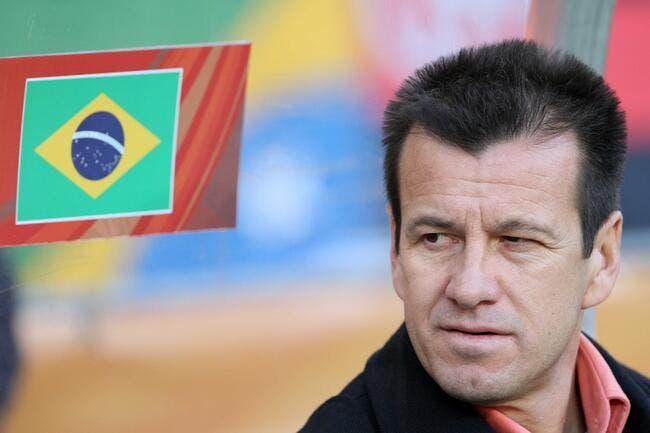 Le Brésil choisit Dunga pour sécher ses larmes