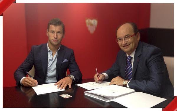 Officiel : Krychowiak signe à Séville et jouera contre l'OL