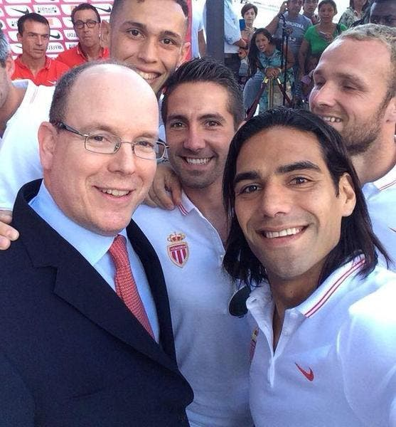 Falcao and co s'offrent un selfie avec le Prince Albert