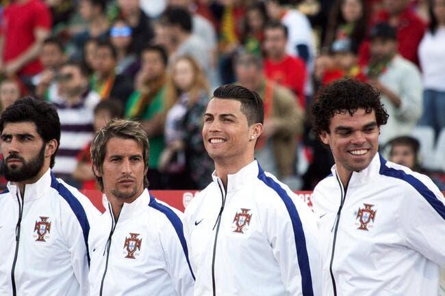 Cristiano Ronaldo n'a pas la grosse tête avec le Portugal