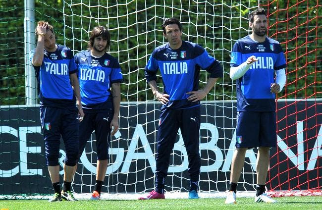 Buffon out contre l'Angleterre ! Sirigu titulaire !
