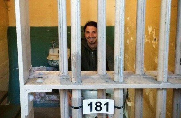 Ibrahimovic en prison, et ça le fait rire