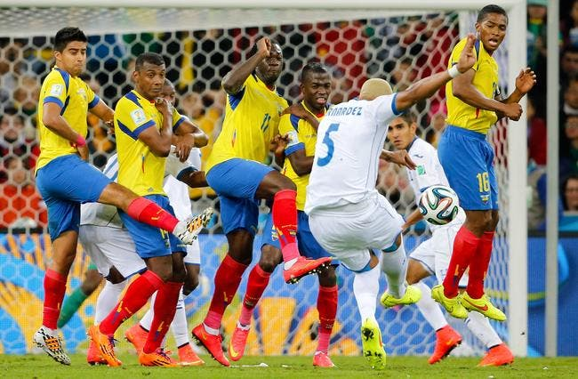 L'Equateur s'impose, la France n'est pas encore en 1/8e