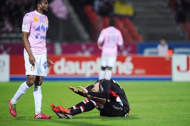 Monaco laisse filer le PSG, et Evian largue VA