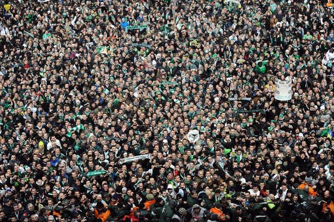 3.000 supporters déchaînés pour fêter la victoire de l'ASSE à Lyon
