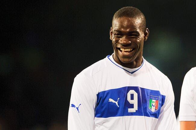 Balotelli lance Italie-Angleterre à sa manière