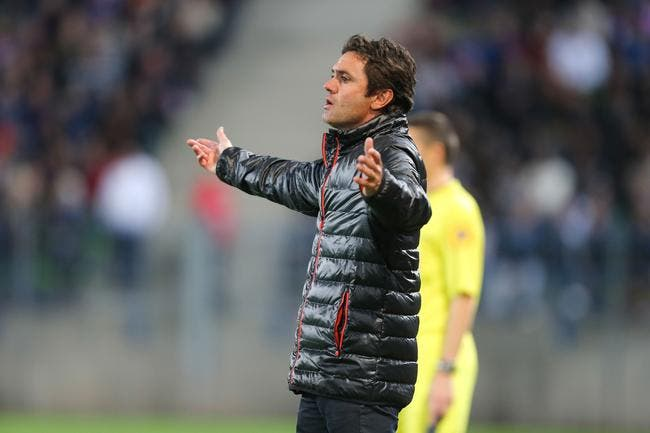 Lorient refuse de virer son entraîneur, mais...