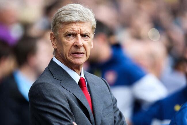 Vidéo : Wenger est agacé, il bouscule Mourinho
