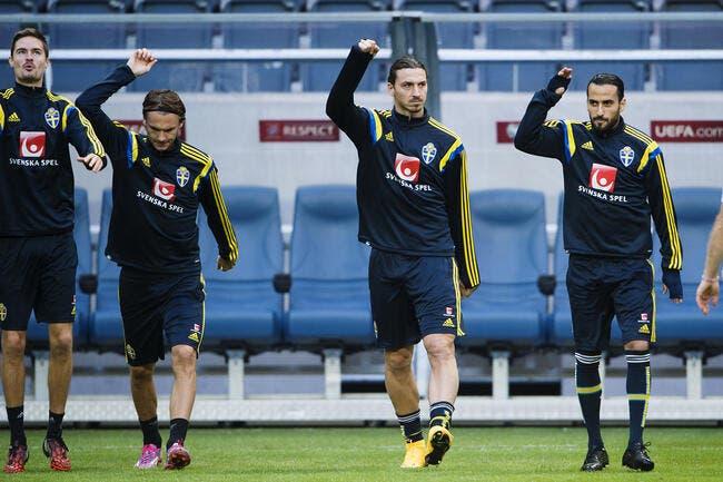 Ibrahimovic s'entraîne à la veille de Suède-Liechtenstein
