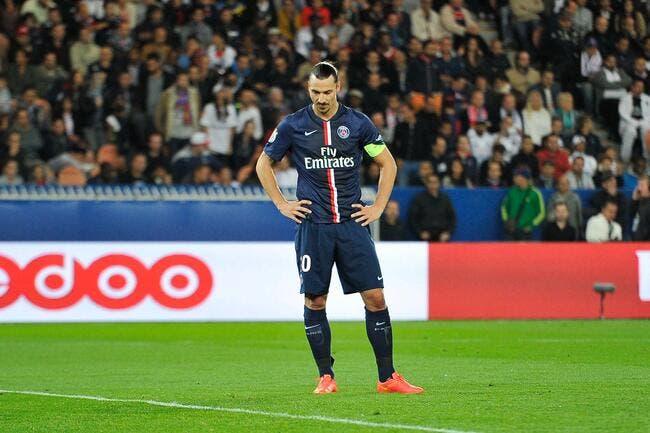 Blessé, Ibrahimovic est dans le dur au PSG