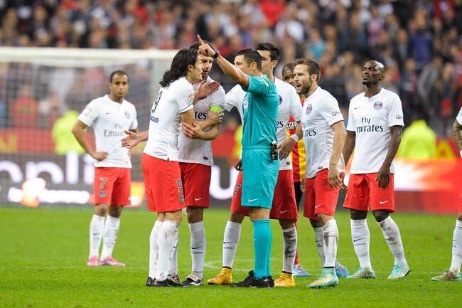 Photo : Le rouge « à la Thiago Silva » de Cavani