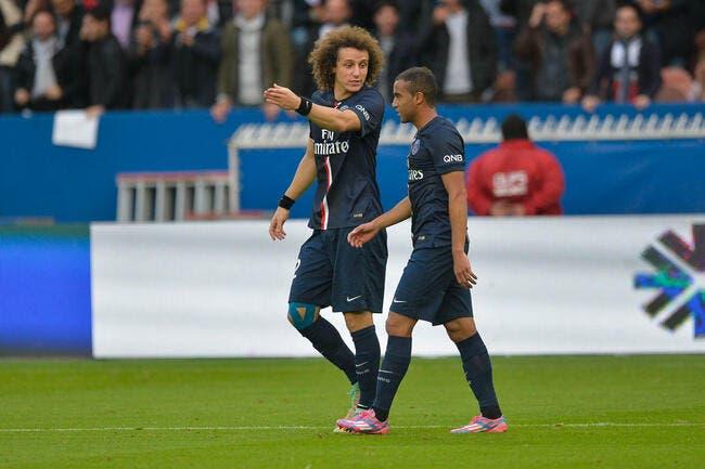 Emmanuel Petit conteste la place de David Luiz au PSG