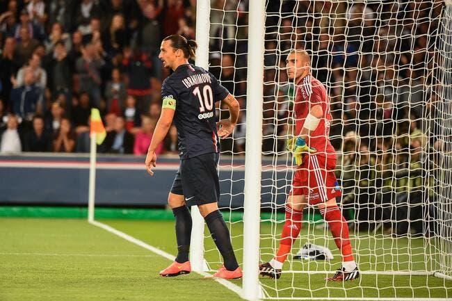 Ibrahimovic n'a pas voulu chambrer après la gaffe de Ruffier