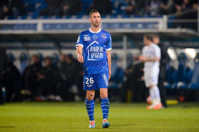 Troyes colle Dijon en tête de la L2