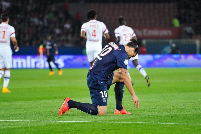 Ibrahimovic très incertain pour PSG-Barcelone