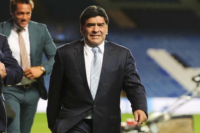 Maradona a choisi son camp pour « botter le cul à Blatter »