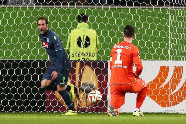 Naples s'amuse sur le terrain de Wolfsburg
