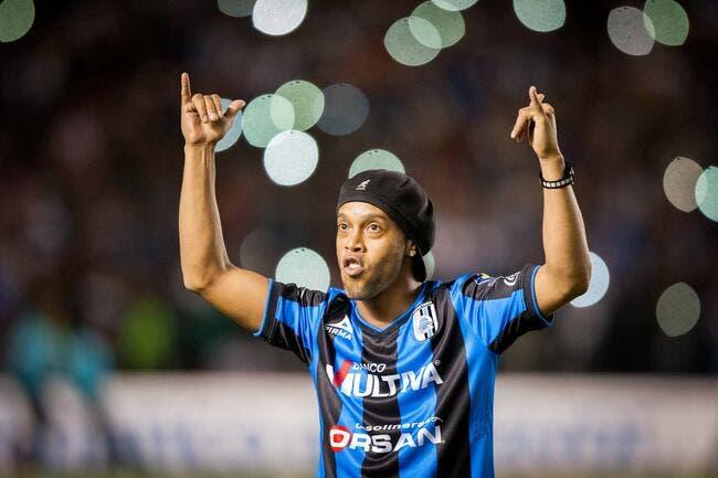 « Pas de retraite » pour Ronaldinho ! C'est compris ?