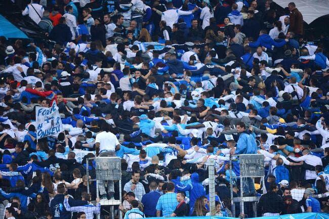 Pierre Ménès défie les supporters de l'OM présents au Vélodrome