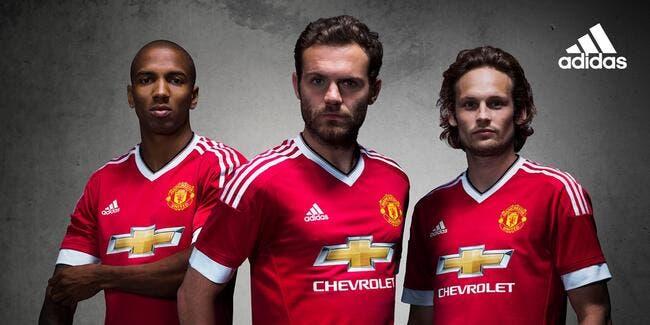 Adidas dévoile son premier maillot pour Manchester United !