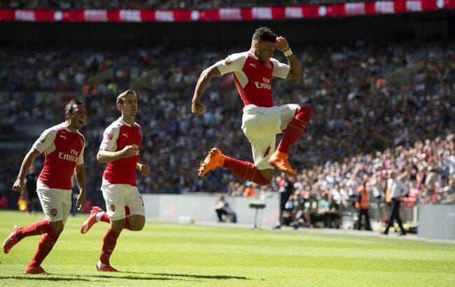 Arsenal bat Chelsea et s'offre un premier titre