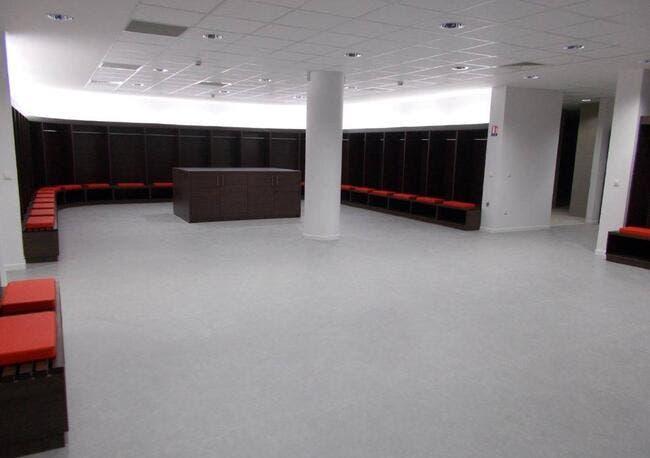 Photo : Le vestiaire grand luxe de l'OL au Stade des Lumières