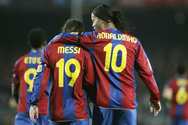 Entre Cristiano Ronaldo et Messi, Ronaldinho hésite un instant
