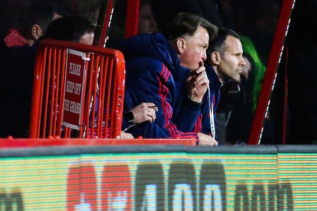Stoke City foudroie Manchester United et Van Gaal !