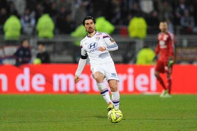 Officiel : Milan Bisevac absent six mois à l'OL !