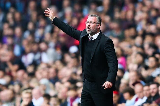 Aston Villa vire Paul Lambert