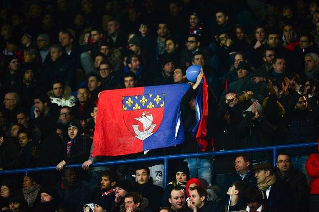 Trois supporters du PSG font payer leur club