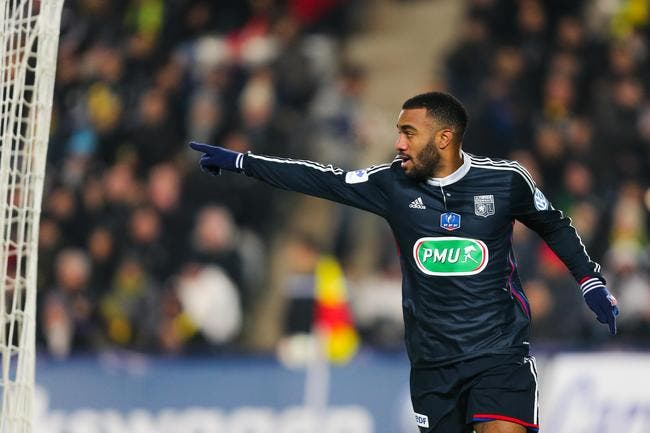 Lacazette encore meilleur joueur du mois en Ligue 1 !