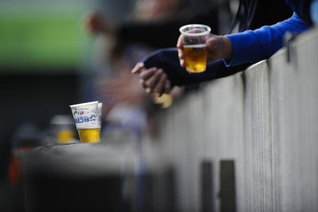 Vidéo : Il voulait entrer au stade avec 24 bières, il va trinquer !