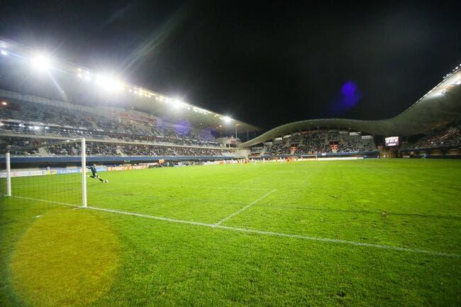 La pelouse de Montpellier va faire fuir le PSG s'amuse Nicollin