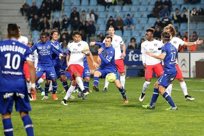Les joueurs du PSG « ont pris 10 ans » estime Larqué