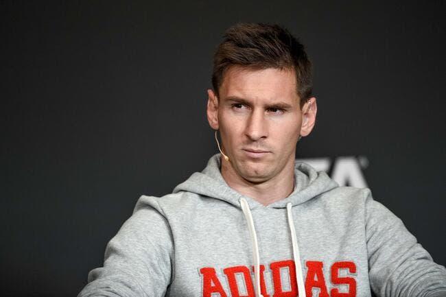 Messi s'incline en seigneur devant Cristiano Ronaldo