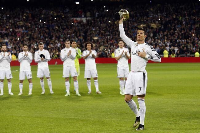 Cristiano Ronaldo a présenté son Ballon d'Or