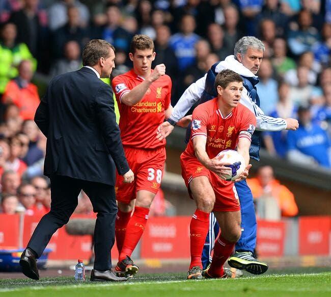 Mourinho exige que Chelsea respecte la légende Gerrard