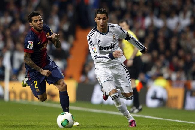 En vacances, Cristiano Ronaldo se fait allumer par Daniel Alves
