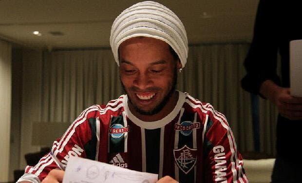 Officiel : Ronaldinho s'est trouvé un nouveau club