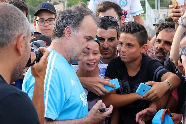 Bielsa offre 30 minutes de selfies aux supporters de l'OM