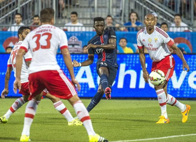 Le PSG et l'ASSE négocient pour un joueur, son salaire coince